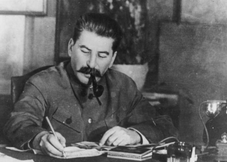 stalin 1 900x642 1605930593 - Stephen Kotkin's <cite>Stalin</cite> Is a Distorting Mirror of the Russian Revolution