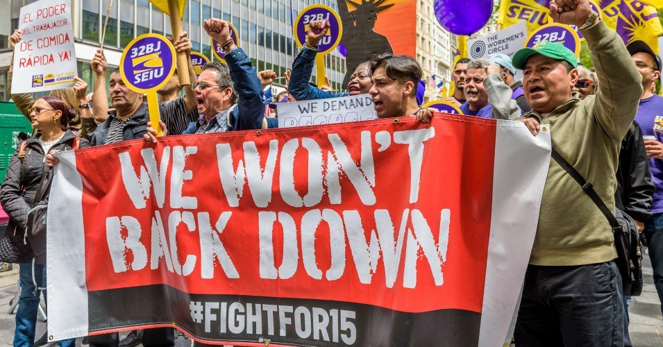 fight for 15 6 1607960413 - Warren Joins Chorus Urging Biden to Raise Minimum Wage to $15 an Hour for Federal Contract Workers on Day One